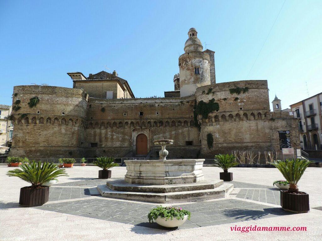 Vacanza in Puglia con bambini: da Nord a Sud (a tappe) destinazione Salento! -Castello di Caldoregno, Vasto-