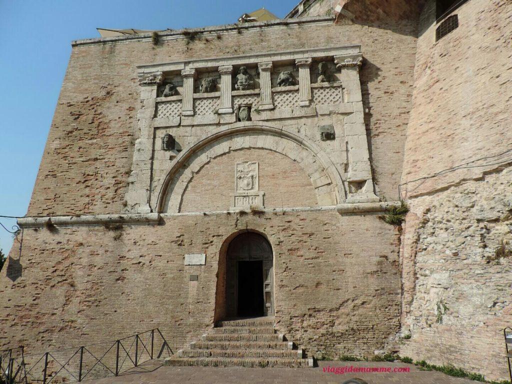 Vacanza in Puglia con bambini: da Nord a Sud (a tappe) destinazione Salento! -Porta Marzia, Rocca Paolina Perugia