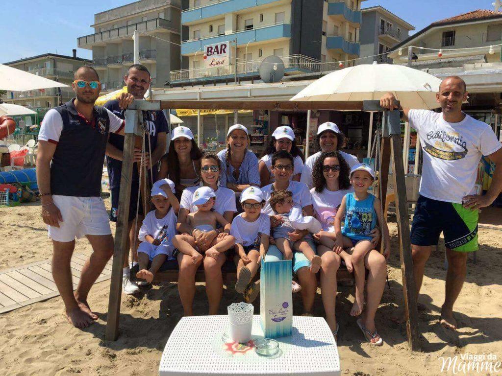 Vacanza a Bellaria Igea Marina: cosa fare coi bambini - il team al Bar Luca-
