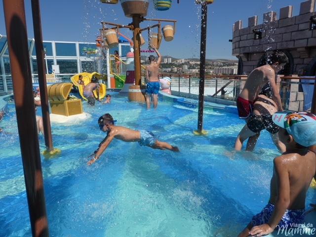 costa Diadema piscine
