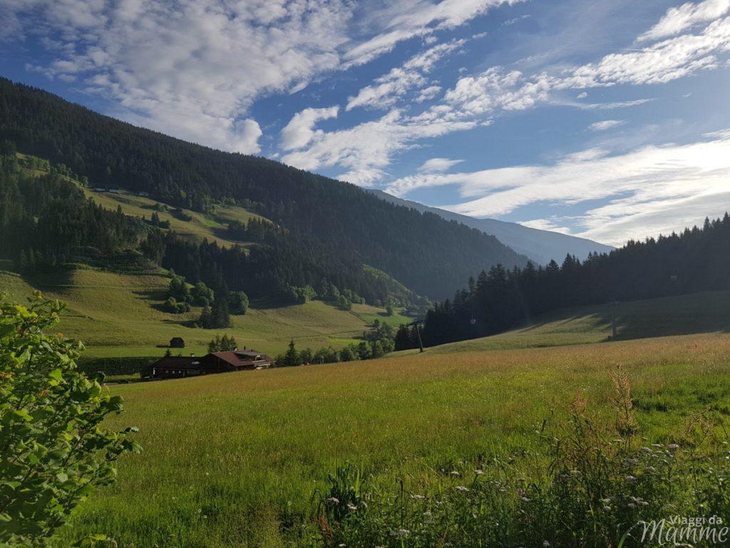 Alta Val Pusteria con bambini una grande emozione -panorama dalla camera dell'hotel-