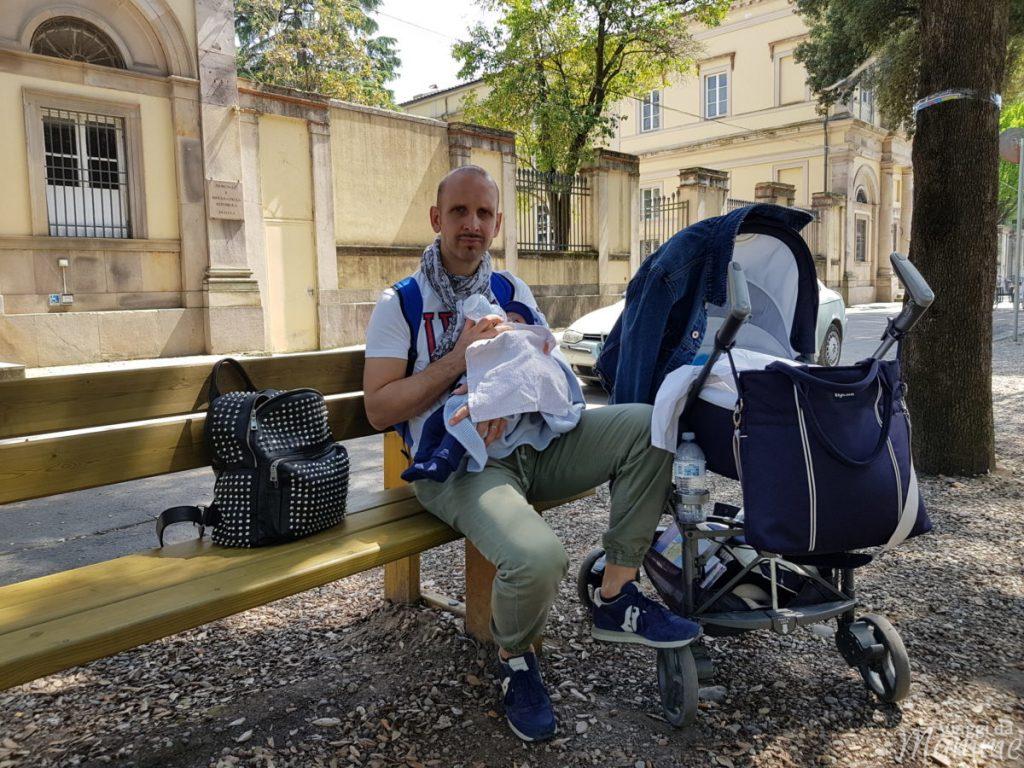 Viaggiare con neonati è possibile -parco giochi a Lucca-