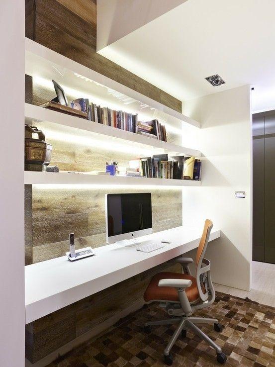 Angolo studio in salotto