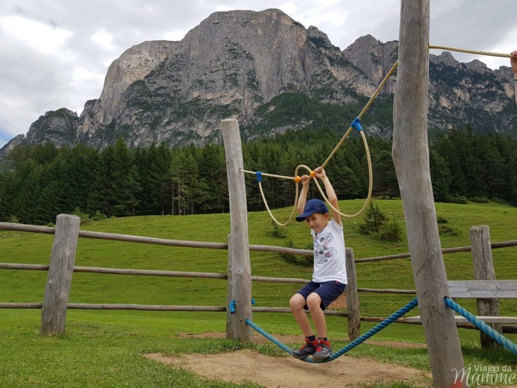 Malga Tuff: escursione sotto lo Sciliar con bambini -parco giochi sotto lo Sciliar-