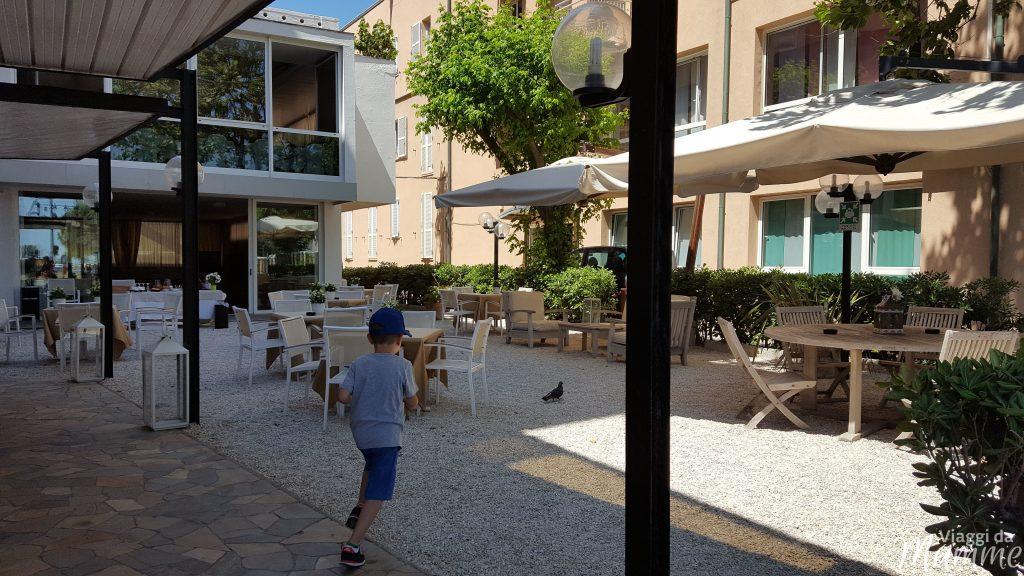 Hotel Airone Rimini: un albergo per famiglie nella Riviera Romagnola - giardino -