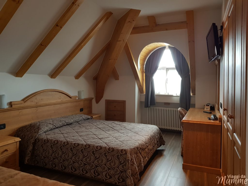 Hotel Vittoria Folgaria: family hotel in Trentino -stanza al quinto piano-