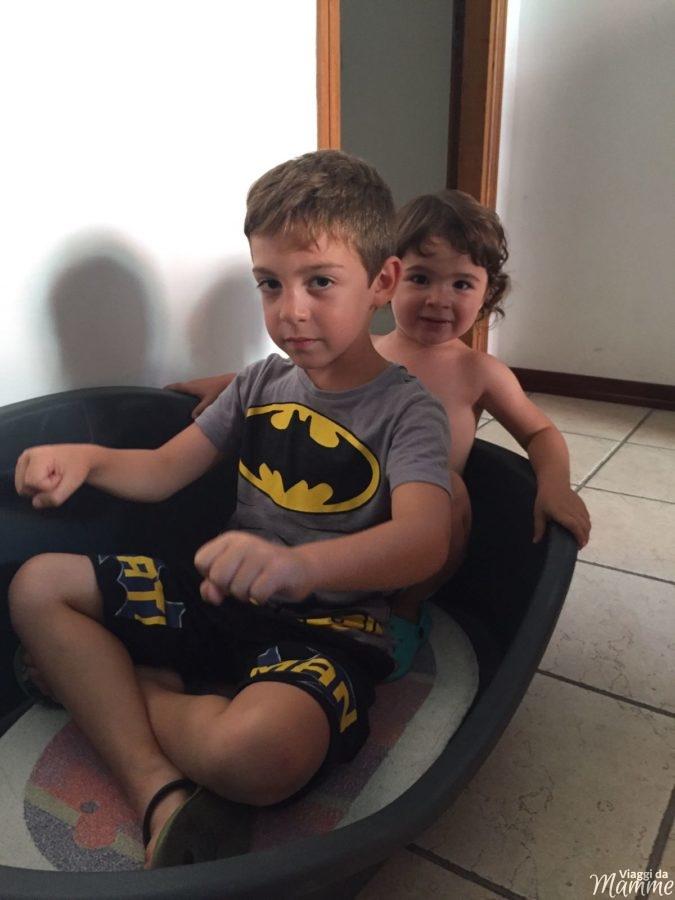 Il bello di crescere due figli: ecco 7 motivi