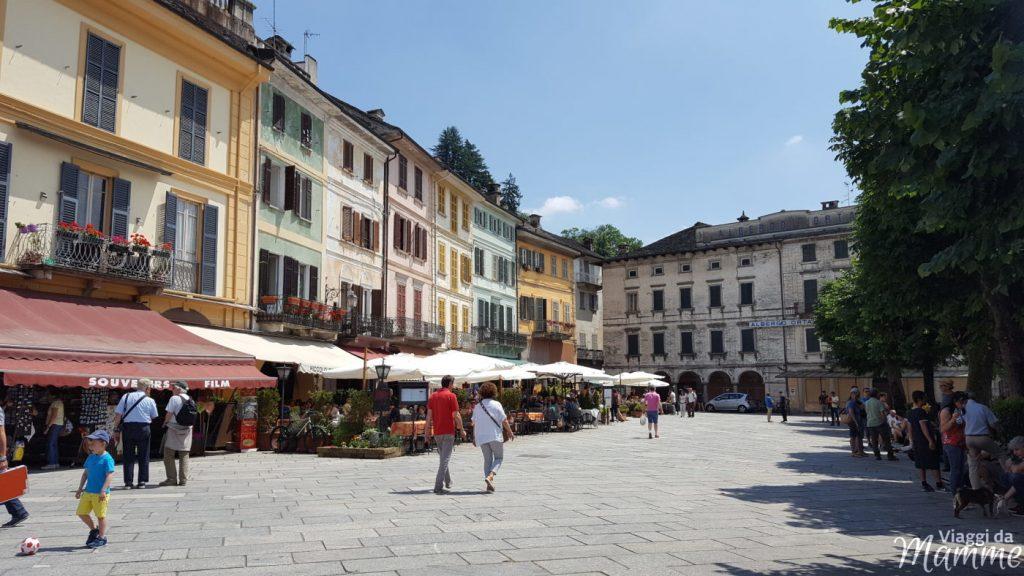 Gita al Lago d'Orta con bambini: Orta e Isola di San Giulio - piazza Motta-