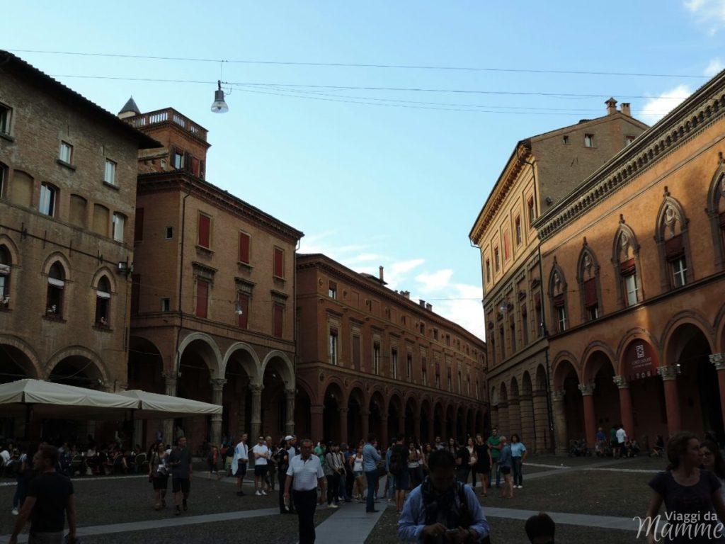 Cosa vedere a Bologna con bambini in due giorni -Piazza Santo Stefano-