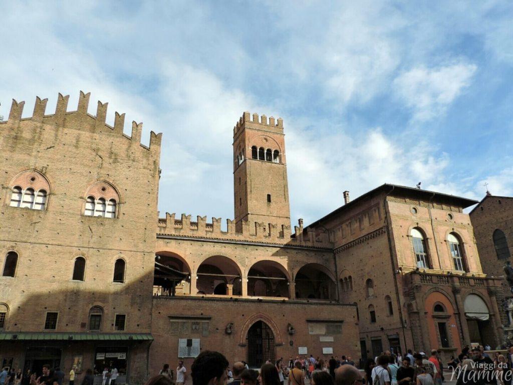 Cosa vedere a Bologna con bambini in due giorni -Palazzo di Re Enzo-